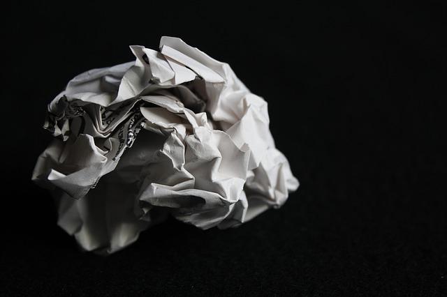 paper-1484048_640